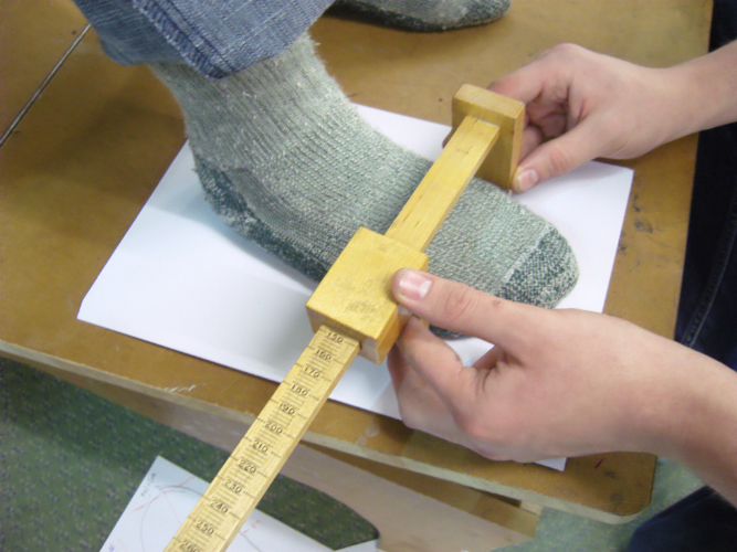 Taking the foot measurements